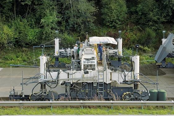 维特根SP 1500 型滑模摊铺机