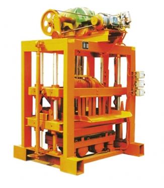 中材建科小型QTJ4-40II型砖机