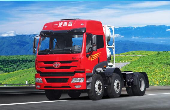 青岛解放新悍威 6X2 LNG牵引车