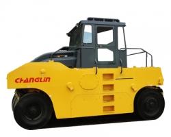 常林8202-5轮胎压路机