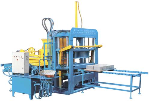 中材建科QTY4-25型液压砌块砖机