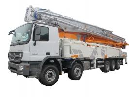 中联重科ZLJ5540THBB 67-6RZ(碳纤维)泵车