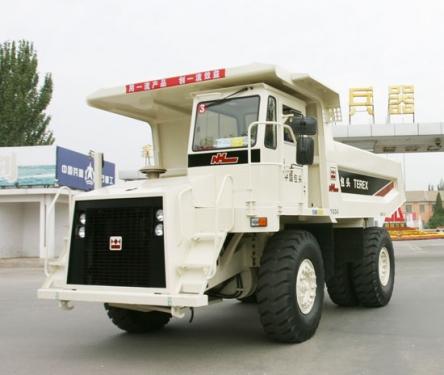 内蒙古北方股份TR30岩斗型矿用自卸车