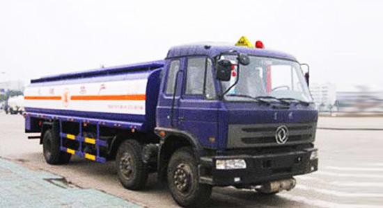 程力解放小三轴化工液体运输车-CA5253GJYP7K2L11T3E