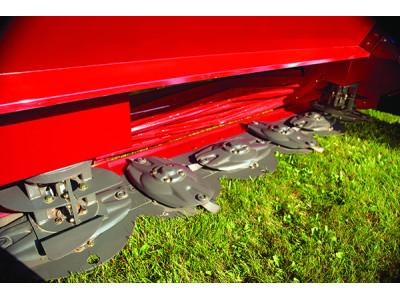 爱科MF系列MF DM1363牧草收获机