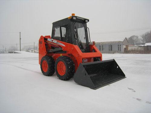 威肯GM700滑移装载机