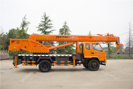 福康吊車698(12噸)汽車起重機