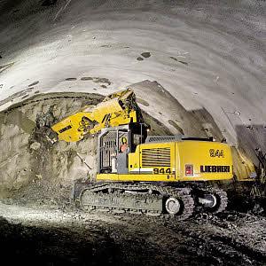 利勃海尔R944CLitronic 隧道履带式挖掘机