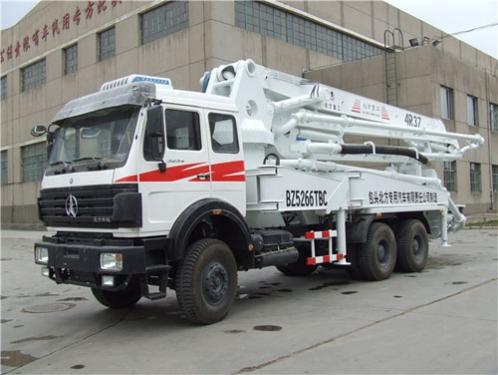 内蒙古北方重工BZ5266TBC(4R37)型混凝土泵车