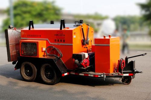 易山重工CLYB-1500Ⅲ型沥青路面热补车