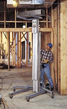 吉尼超级承包商物料升降机SLC移动式物料升降机