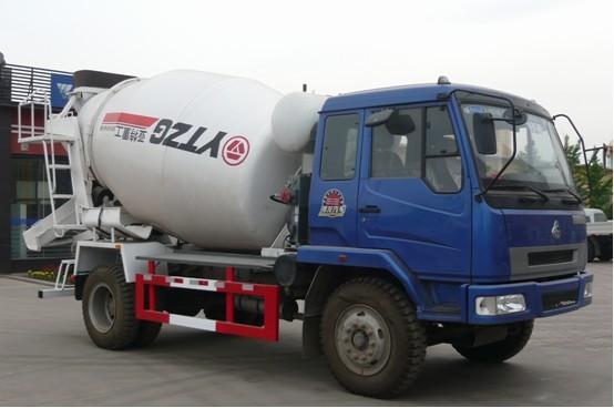 亚特重工TZ5160GJBL58乘龙5立方混凝土搅拌运输车