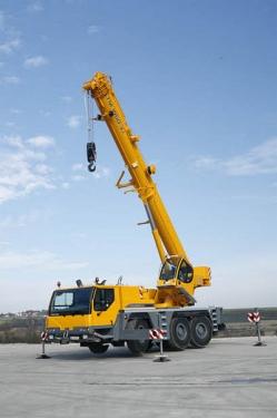 利勃海尔LTM1050-3.1全地面起重机
