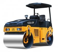 骏马YZC4.5H全液压双钢轮振动压路机