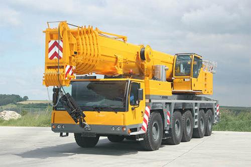 利勃海尔LTM 1200-5.1全地面起重机