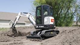斗山E26小型挖掘机
